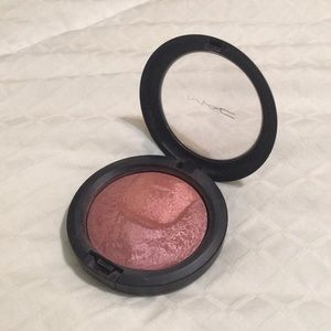 MAC Cosmetics Scene To Be Seen Powder